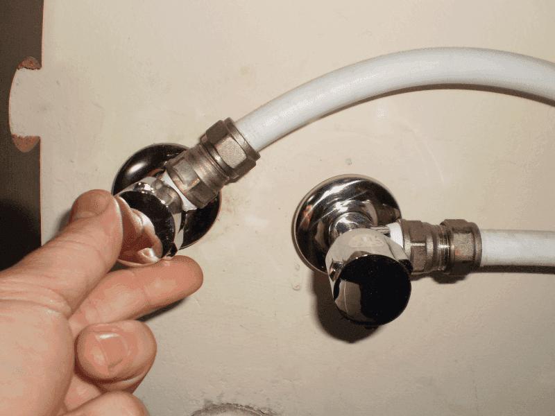 Ремонт на водопроводни тръби1